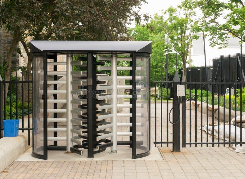 Puerta de seguridad foto de archivo libre de regalías