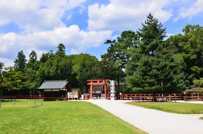 Puerta de Torii de la capilla Kyoto Japón de Kamigamo imágenes de archivo libres de regalías