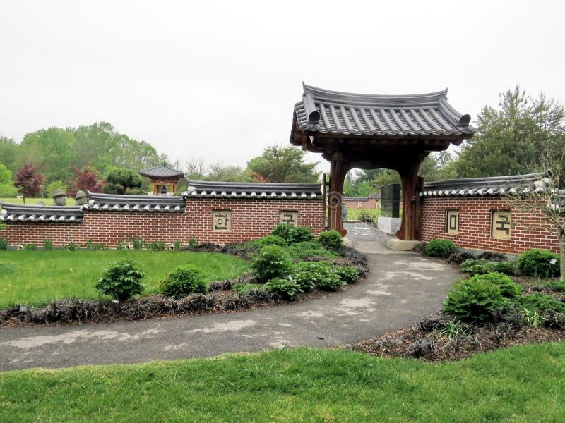 Puerta de Viena al jardín coreano 2016 de Bell imágenes de archivo libres de regalías