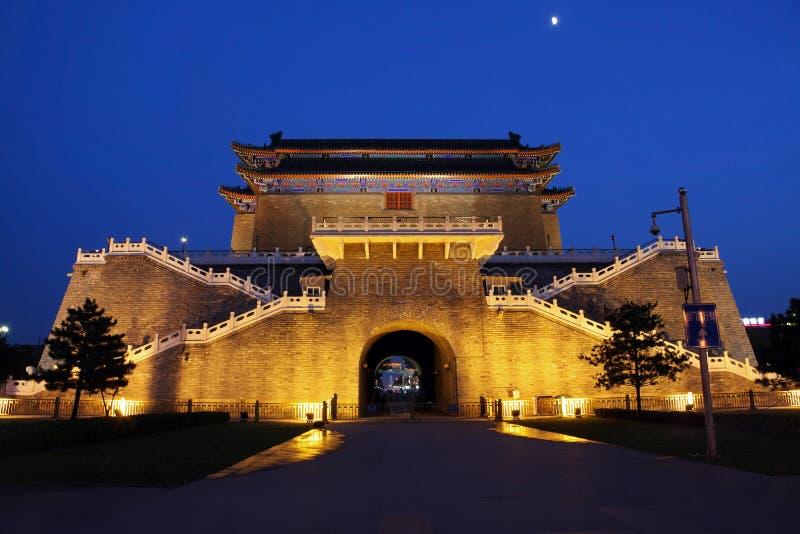 Puerta de Zhengyangmen en Pekín, China imagenes de archivo