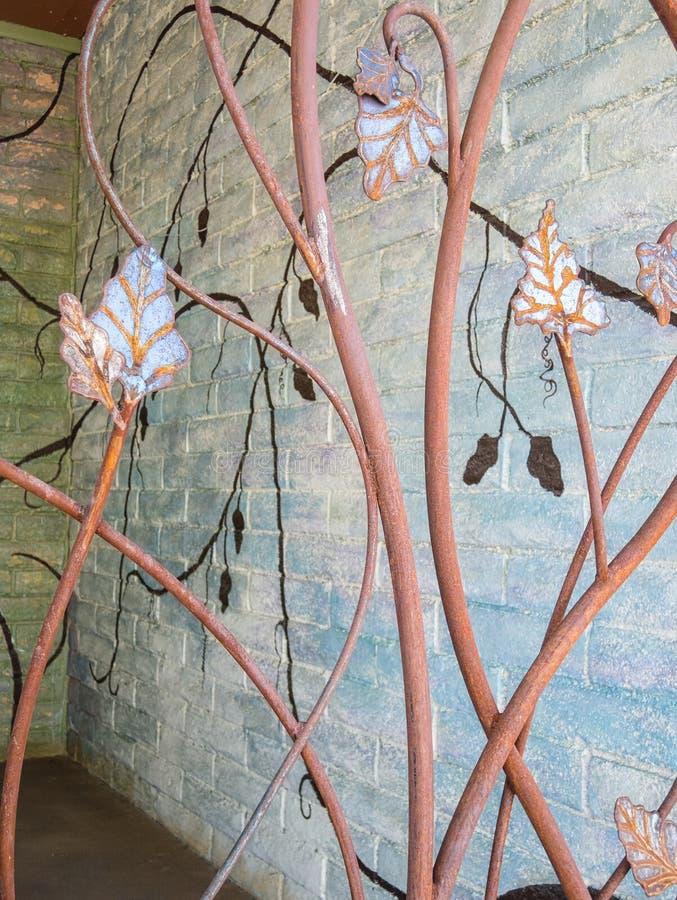 Puerta decorativa del callejón imagen de archivo libre de regalías