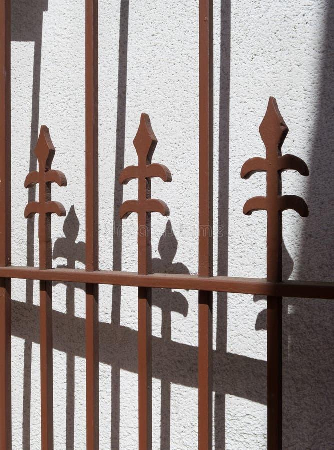 Puerta decorativa del hierro imagen de archivo libre de regalías