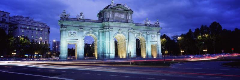 Puerta del Alcala, Madrid, Spanje stock afbeelding