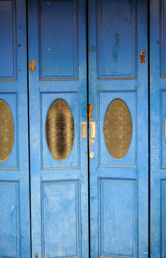 Puerta del azul del vintage fotos de archivo