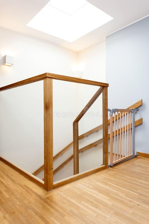 Puerta del bebé en una escalera imagen de archivo libre de regalías