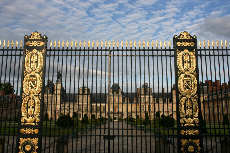 Puerta del castillo francés imagen de archivo
