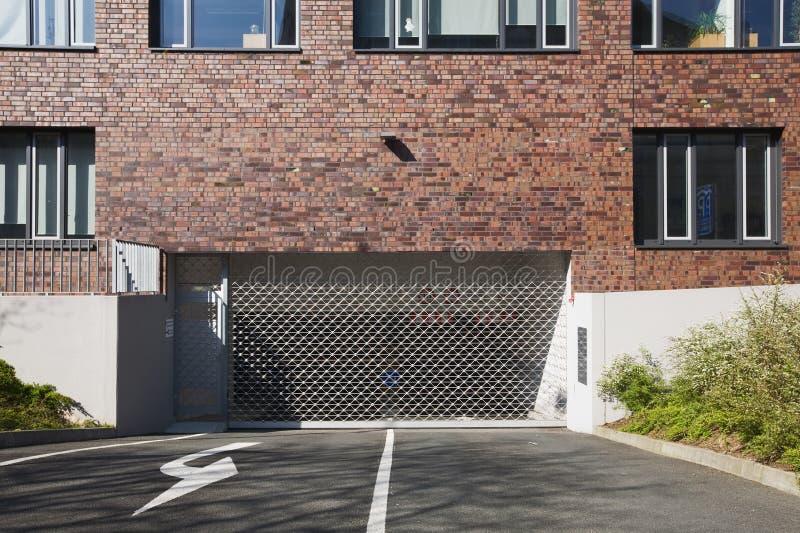 Puerta del garage foto de archivo libre de regalías