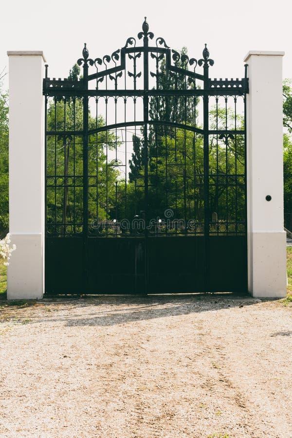 Puerta del hierro foto de archivo libre de regalías