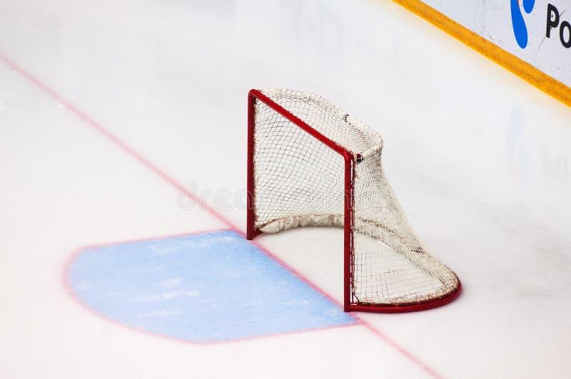Puerta del hockey sobre hielo de Emty imagen de archivo libre de regalías