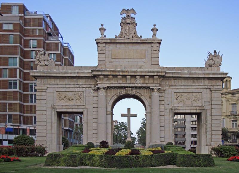 Puerta Del Mar es la puerta en el centro de la ciudad de Valencia fotografía de archivo libre de regalías