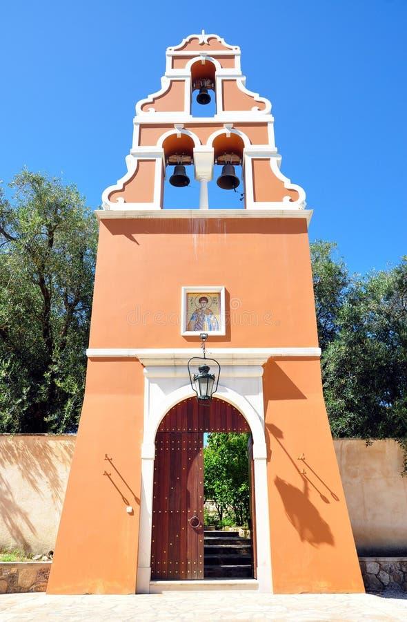 Puerta del monasterio en la isla de Corfú, Grecia fotos de archivo libres de regalías