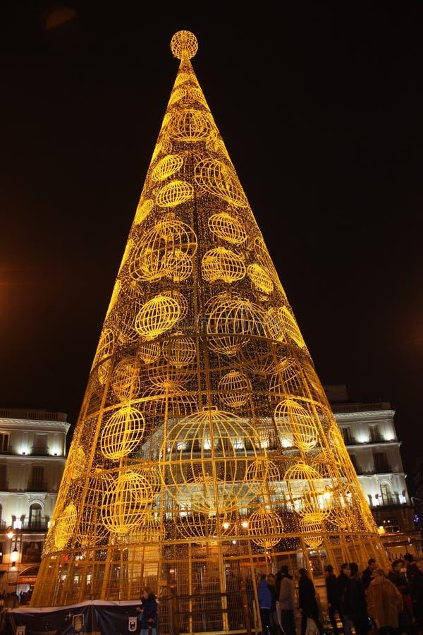 Puerta Del Sol w Madryt z Bożenarodzeniową dekoracją zdjęcia royalty free