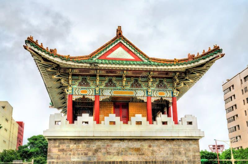 Puerta del sur de Auxlilary de la ciudad vieja de Taipei fotos de archivo