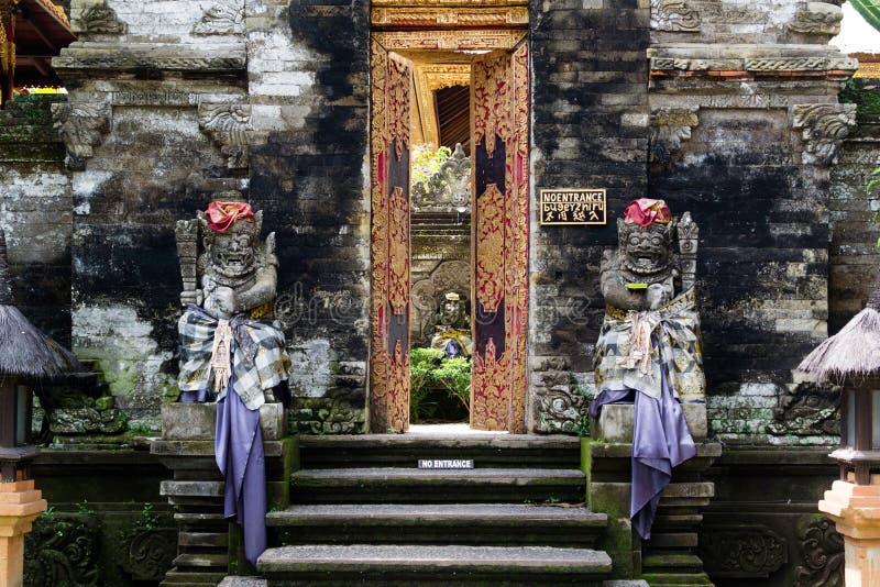 Puerta del templo en Bali imagen de archivo libre de regalías
