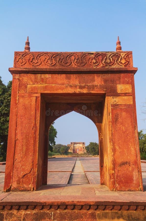 Puerta dentro de la tumba del Akbar en Sikandra fotografía de archivo libre de regalías