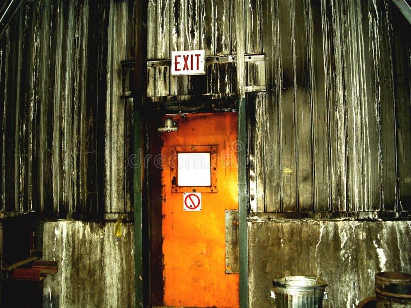 Puerta dentro mina de mineral de hierro imagen de archivo