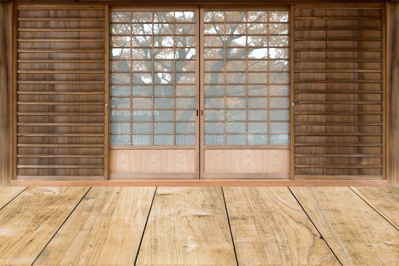 Puerta deslizante del estilo japonés foto de archivo