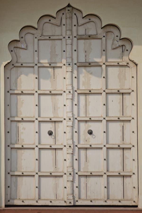Puerta en el fuerte de Agra imagenes de archivo