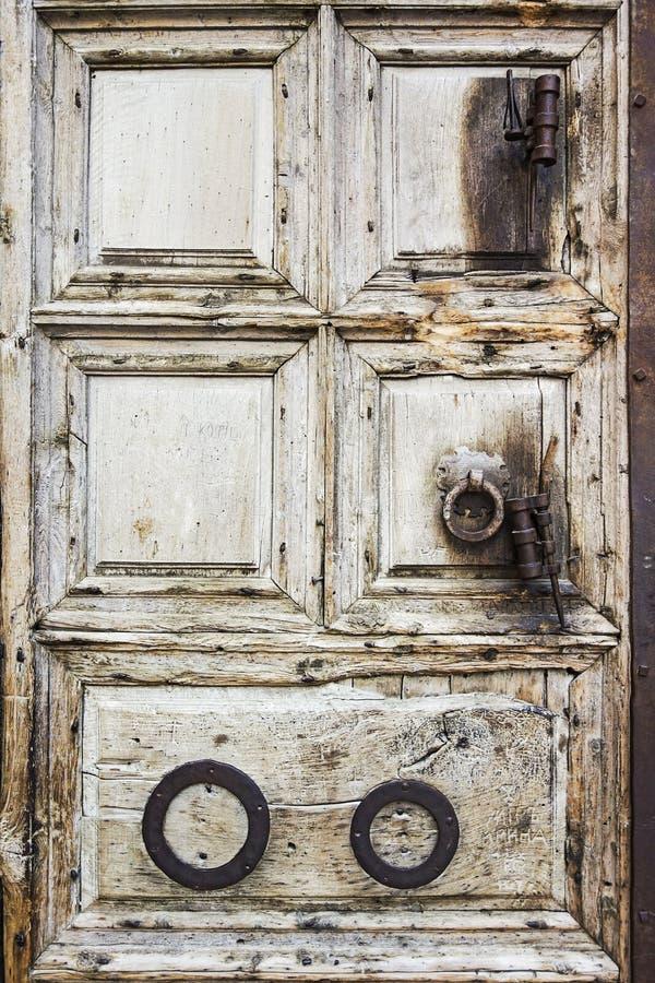 Puerta en la iglesia de Jerusalén imagen de archivo