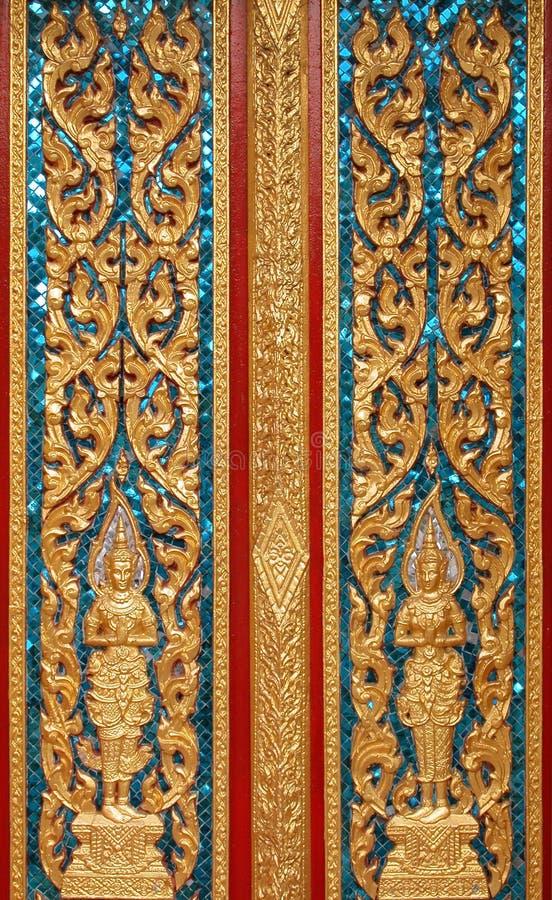 Puerta en Wat Chalong fotografía de archivo libre de regalías