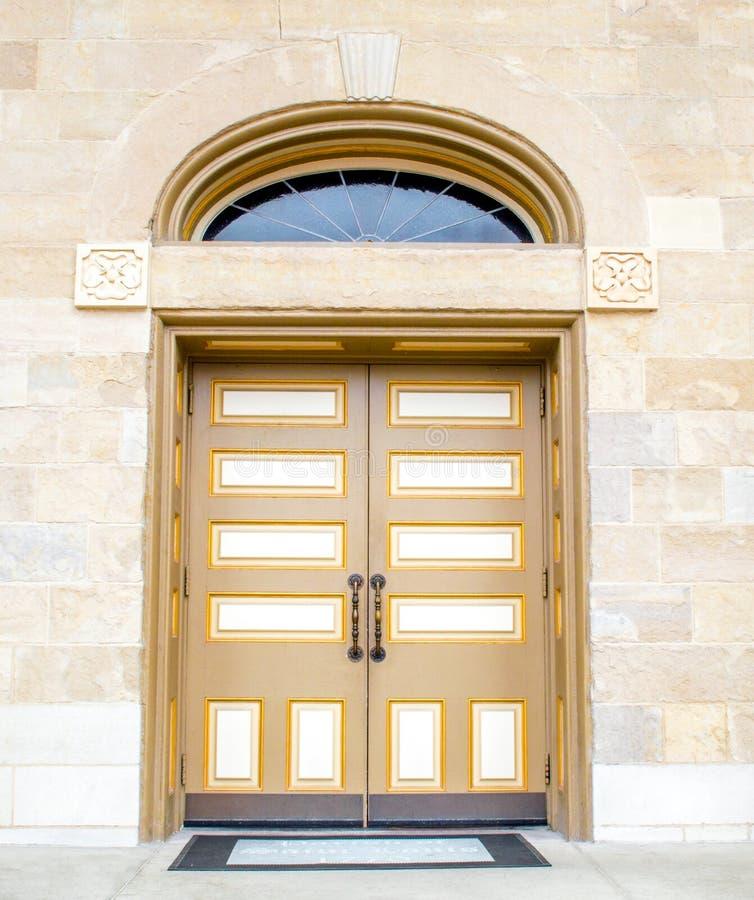 Puerta exterior hermosa en el St Louis Cathedral en Missouri fotografía de archivo libre de regalías