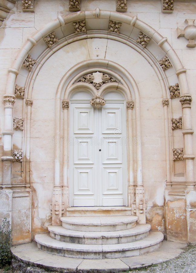 Puerta gótica imagenes de archivo
