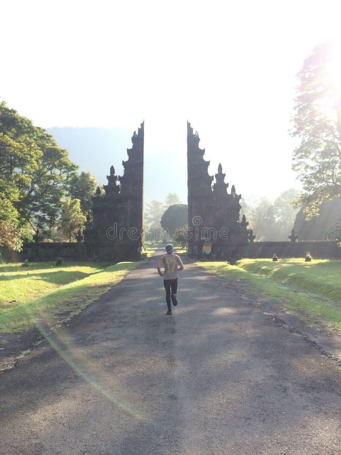 Puerta grande del golf del mandara de Bali fotos de archivo