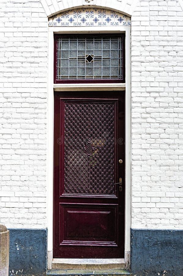 Puerta holandesa con las tejas esmaltadas imagen de archivo libre de regalías