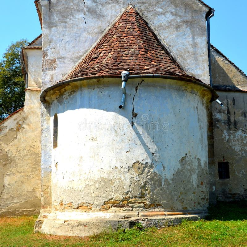 puerta Iglesia evangélica sajona medieval fortificada en el pueblo Toarcla, Tartlau, Transilvania, Rumania fotografía de archivo