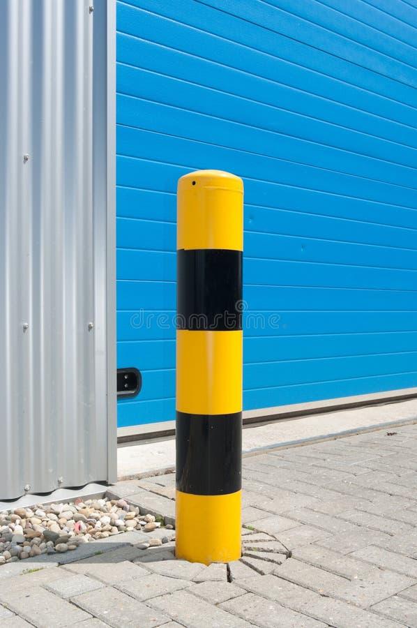 Puerta industrial del rodillo fotos de archivo libres de regalías