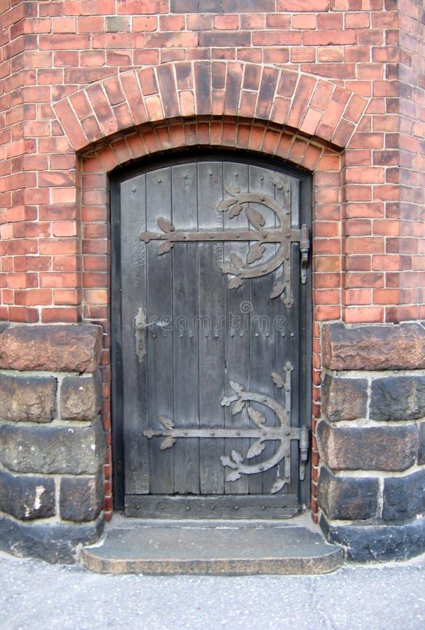 Puerta a la iglesia fotografía de archivo libre de regalías