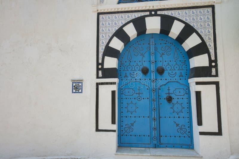 Puerta local típica de la casa tradicional, Túnez, Túnez foto de archivo libre de regalías