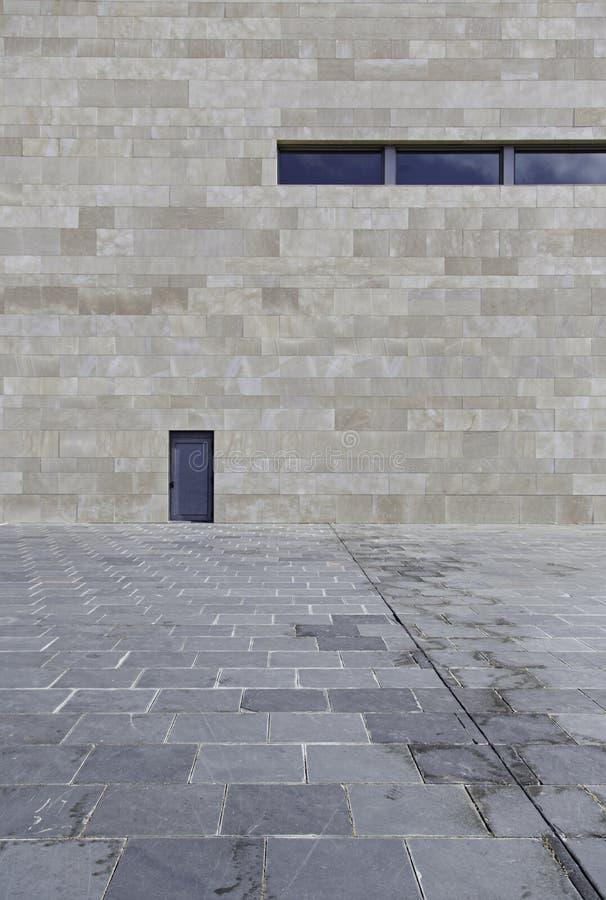 Puerta moderna del edificio fotos de archivo libres de regalías