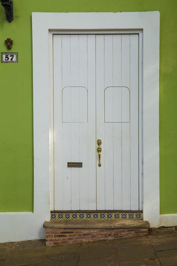 Puerta ornamental en San Juan viejo imagen de archivo libre de regalías