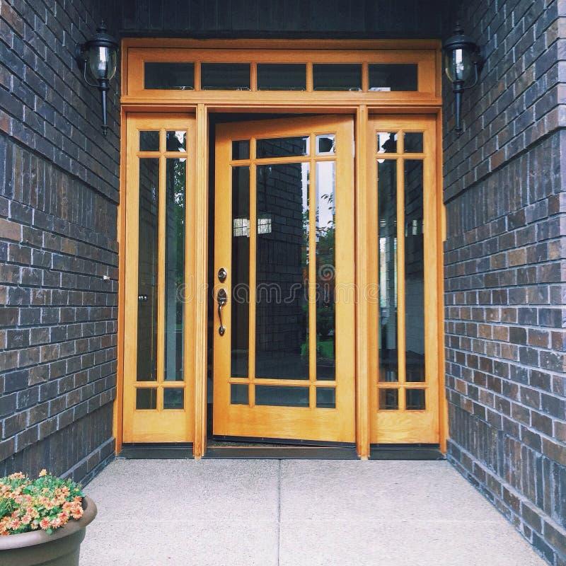 Puerta principal imagen de archivo libre de regalías