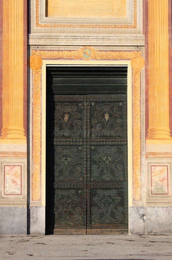 Puerta principal barroca ajustada imagenes de archivo