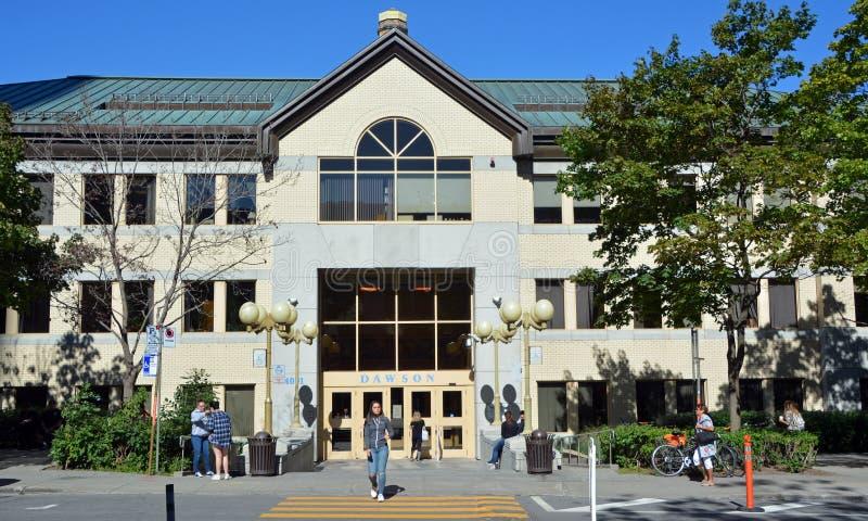Puerta principal de Dawson College fotos de archivo