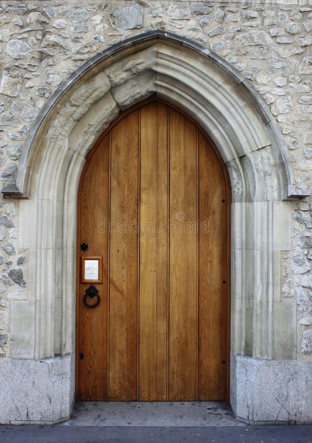 Puerta principal medieval fotografía de archivo libre de regalías
