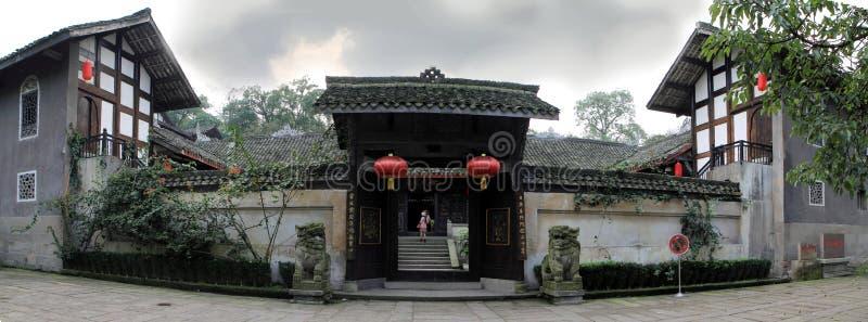 Puerta residencial antigua de China Sichuan fotos de archivo