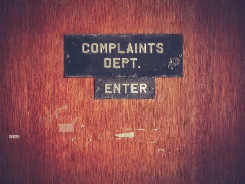 Puerta retra del departamento de las denuncias del Grunge imagen de archivo libre de regalías
