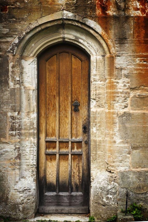 Puerta secreta vieja imagen de archivo
