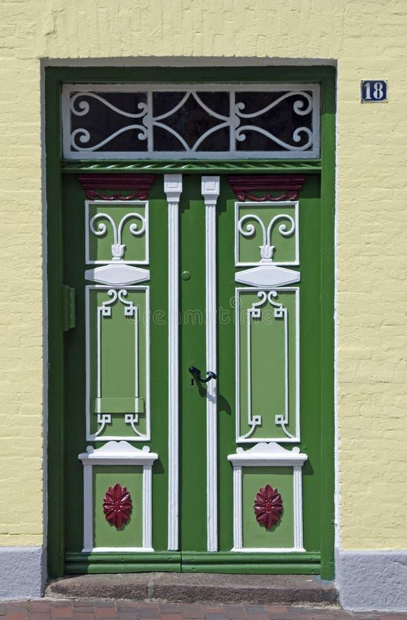 Puerta tradicional en Schleswig fotografía de archivo