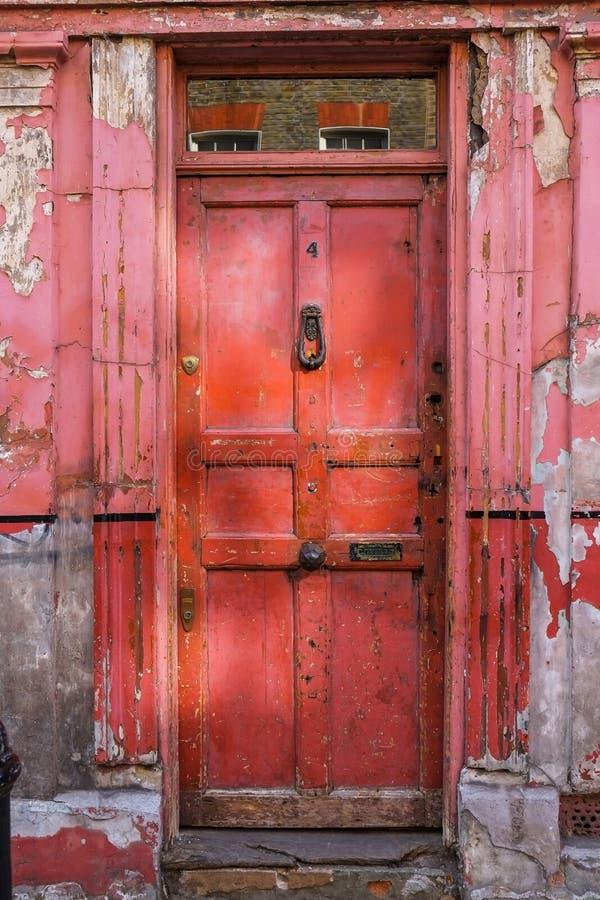 Puerta vieja de Londres del vintage fotos de archivo