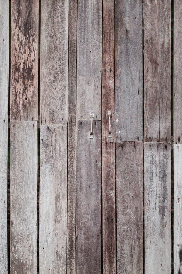 Puerta vieja de madera de la reutilización fotografía de archivo