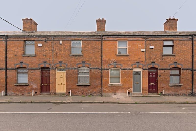 Puertas coloridas de Dublín del zith típico de los rowhouses foto de archivo