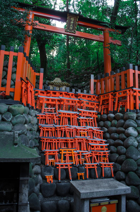 Puertas de Fushimi Inari Torii foto de archivo libre de regalías