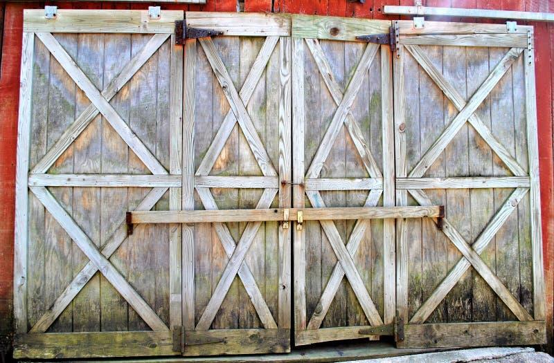 Puertas de granero bloqueadas fotografía de archivo libre de regalías