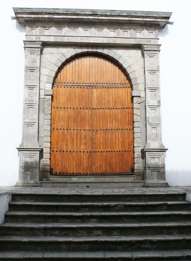 Puertas de madera fotografía de archivo libre de regalías