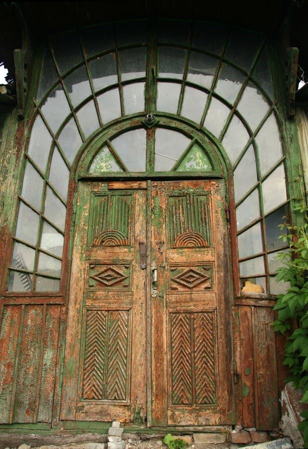 Puertas de madera viejas imagen de archivo. Imagen de casa ... - photo#32