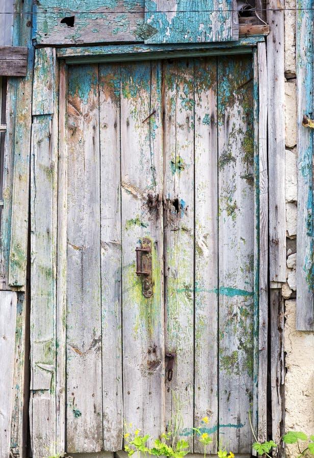 Puertas de madera viejas elegant si hace unos das for Pintar puertas de madera viejas